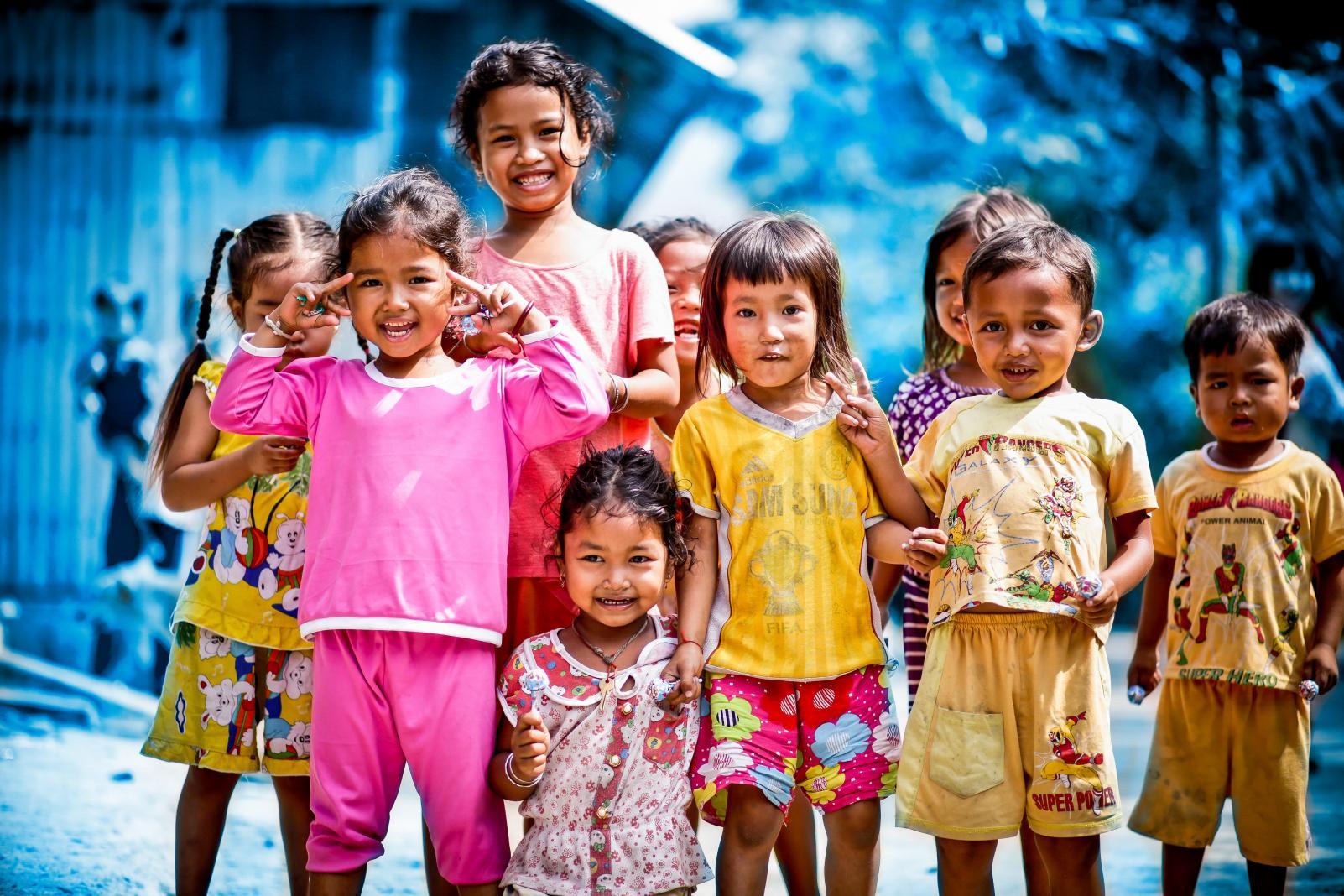 Hình ảnh những đứa trẻ nhà nghèo