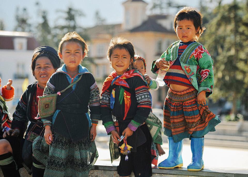 Hình ảnh trẻ em nghèo vùng núi