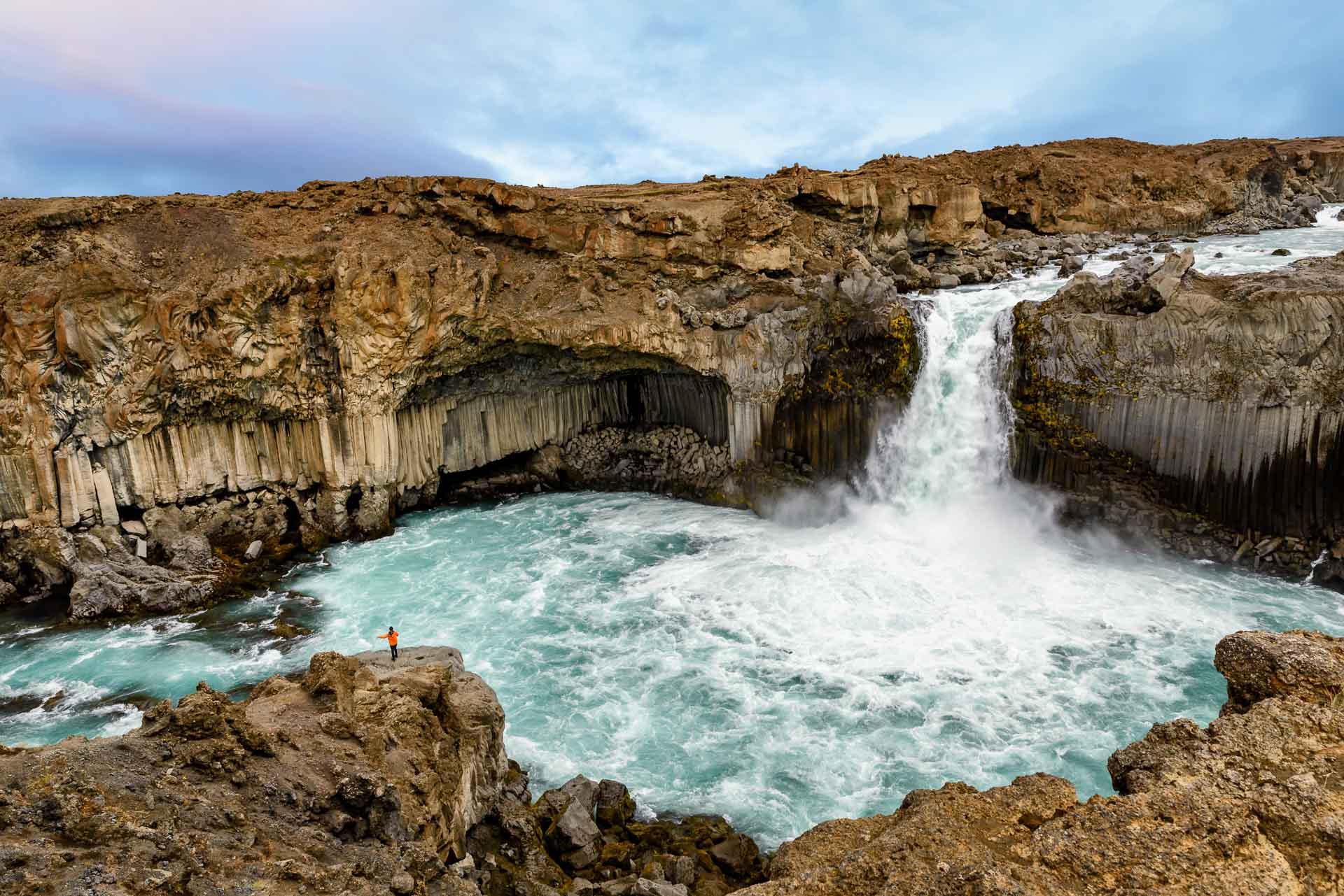 Ảnh thác nước Aldeyjarfoss - một trong những thác nước đẹp nhất Iceland