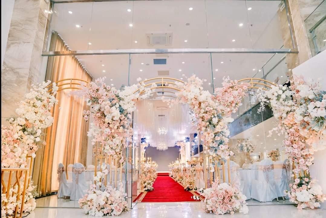 Cổng hoa cưới đẹp, sang trọng