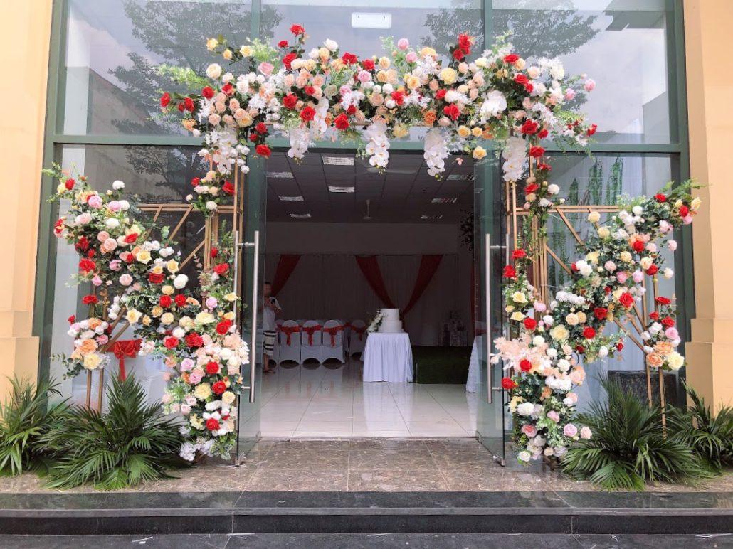 Cổng hoa cưới hỏi đơn giản, sáng tạo