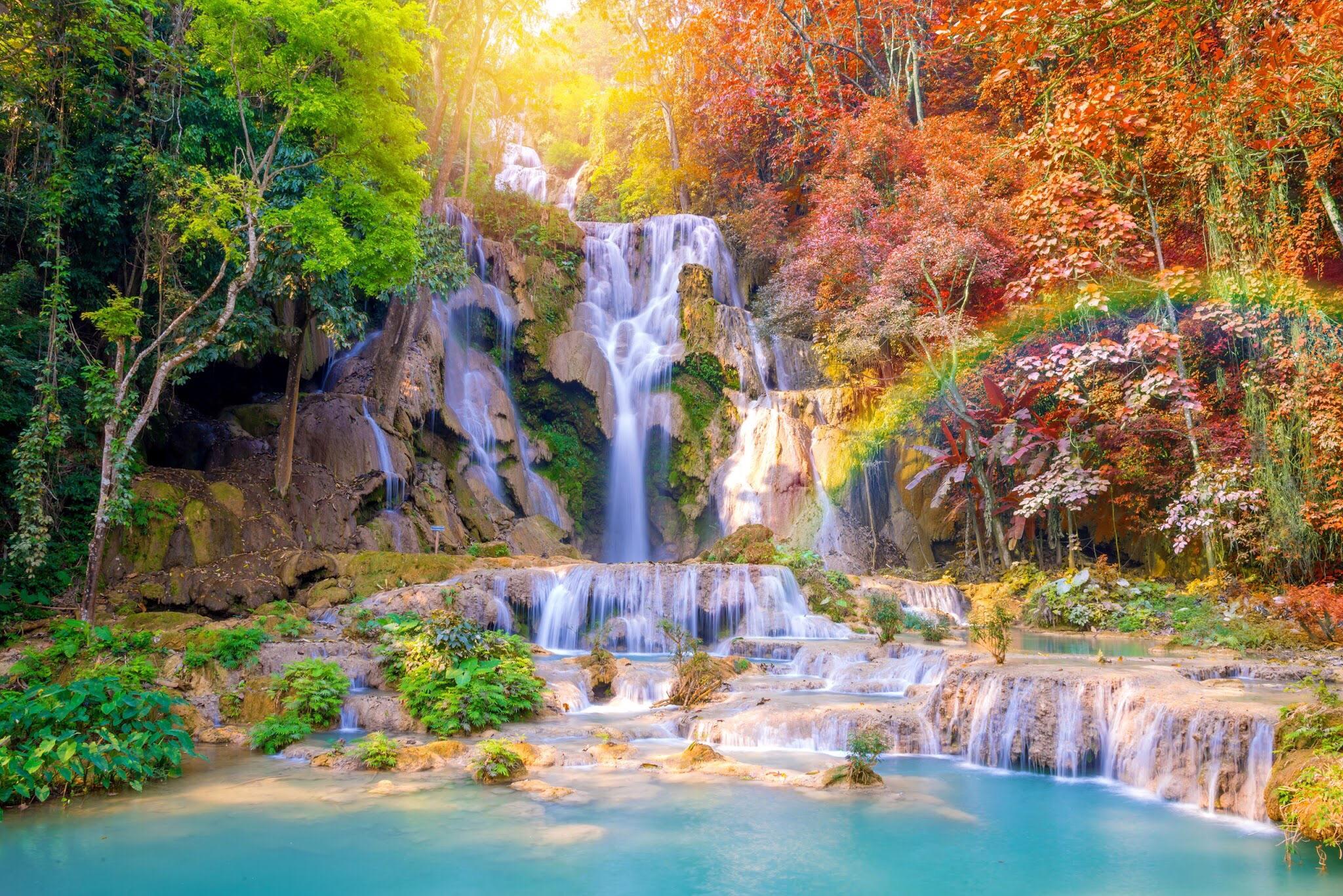 Hình ảnh thác nước mùa thu đẹp nhất