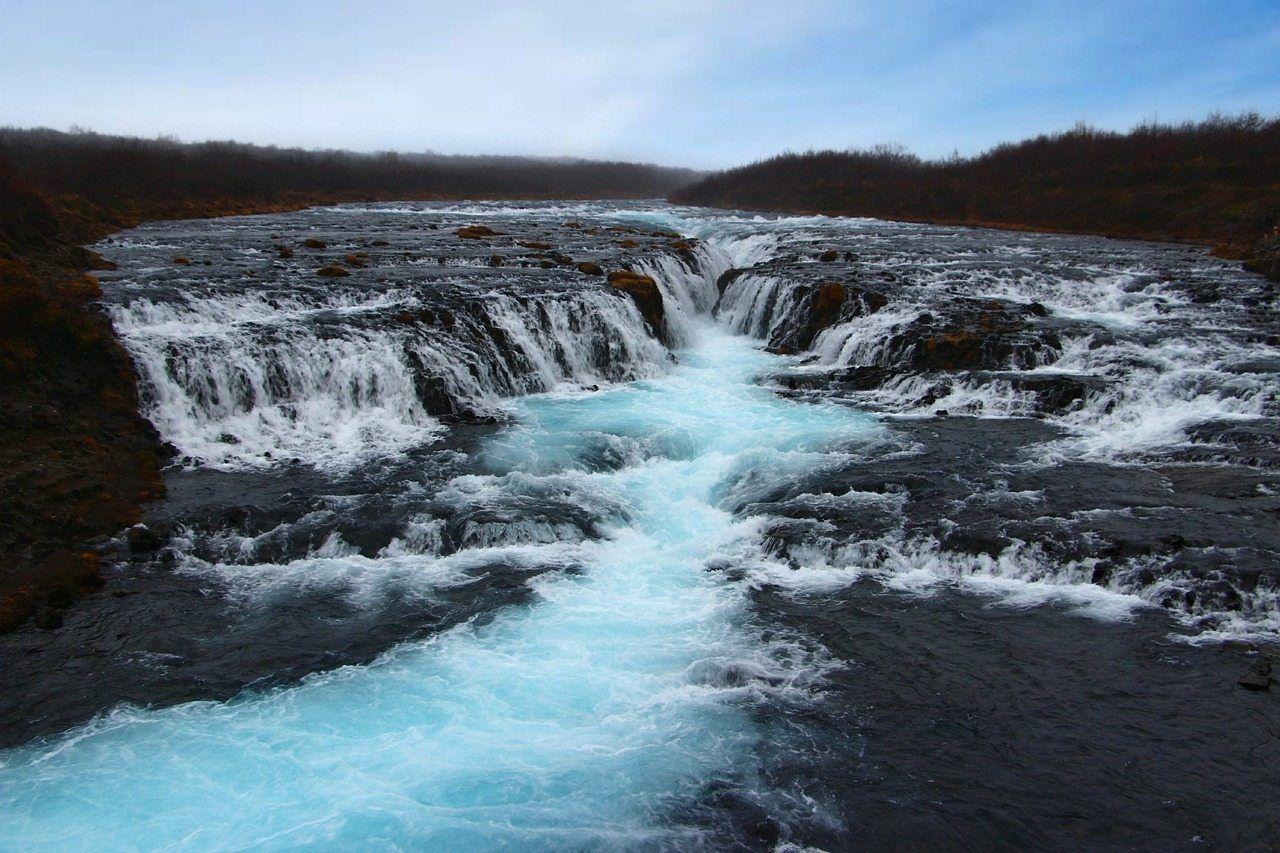 Hình ảnh thác nước ngát xanh