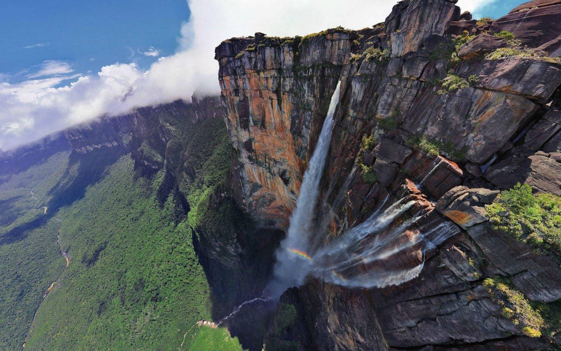 Hình ảnh thác nước treo leo vách núi đẹp nhất