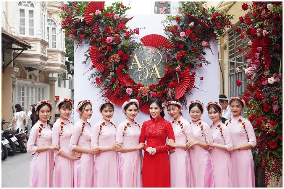 Mẫu áo dài bê tráp màu hồng