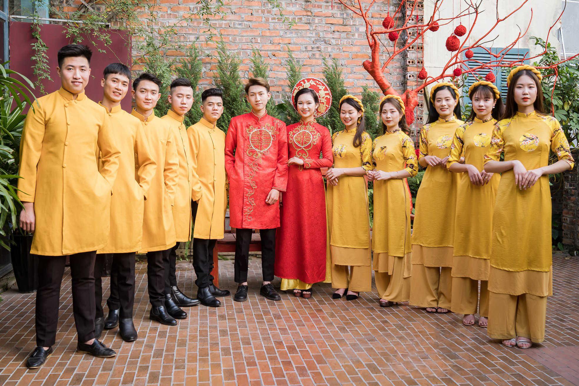 Mẫu áo dài bê tráp màu vàng đẹp
