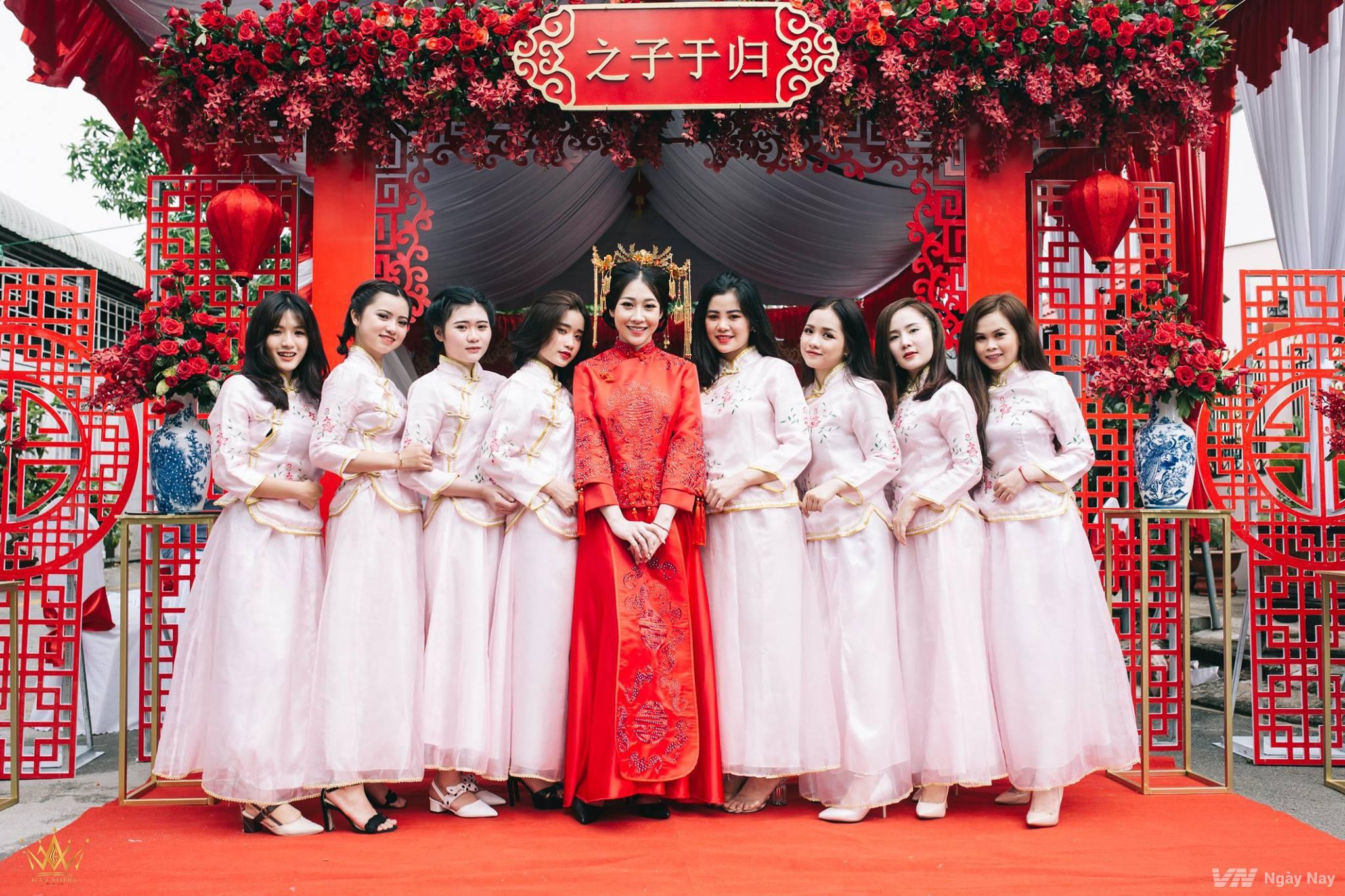 Mẫu áo dài bưng quả Trung Hoa đẹp