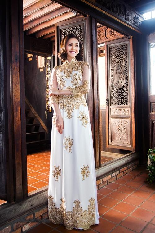 Mẫu áo dài cưới đẹp lộng lẫy, kiêu sa
