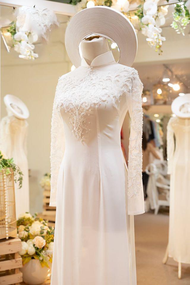 Mẫu áo dài trắng truyền thống cho cô dâu đẹp