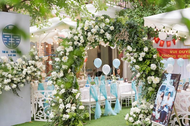 Mẫu cổng cưới đẹp bắt mắt
