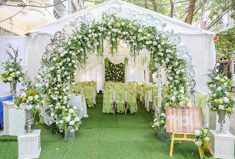 Mẫu cổng cưới tone xanh đẹp