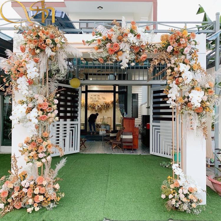 Mẫu cổng hoa cưới đẹp nao lòng