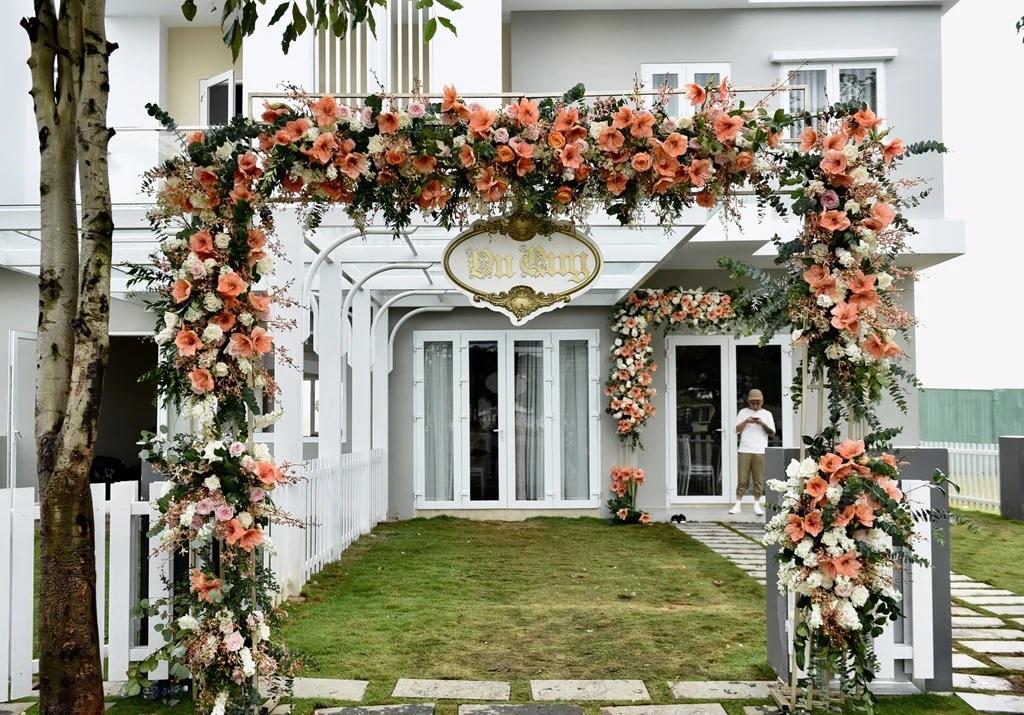 Mẫu cổng hoa cưới đẹp, sang