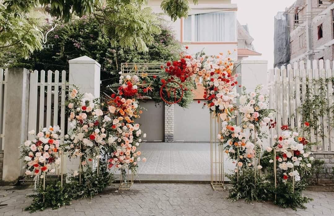 Mẫu cổng hoa đám cưới sang trọng, tinh tế
