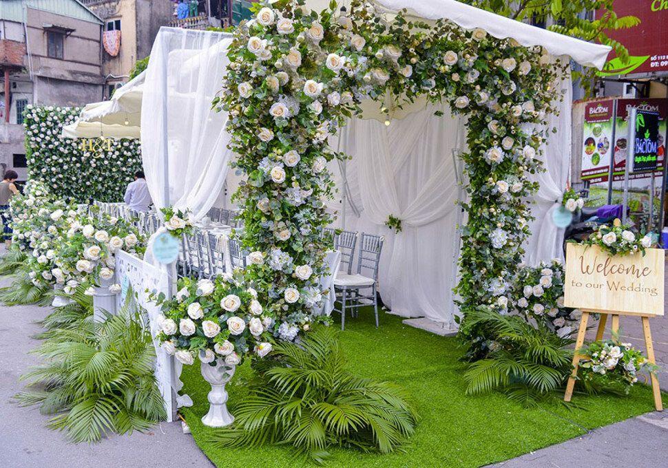 Mẫu cổng hoa đẹp cho đám cưới