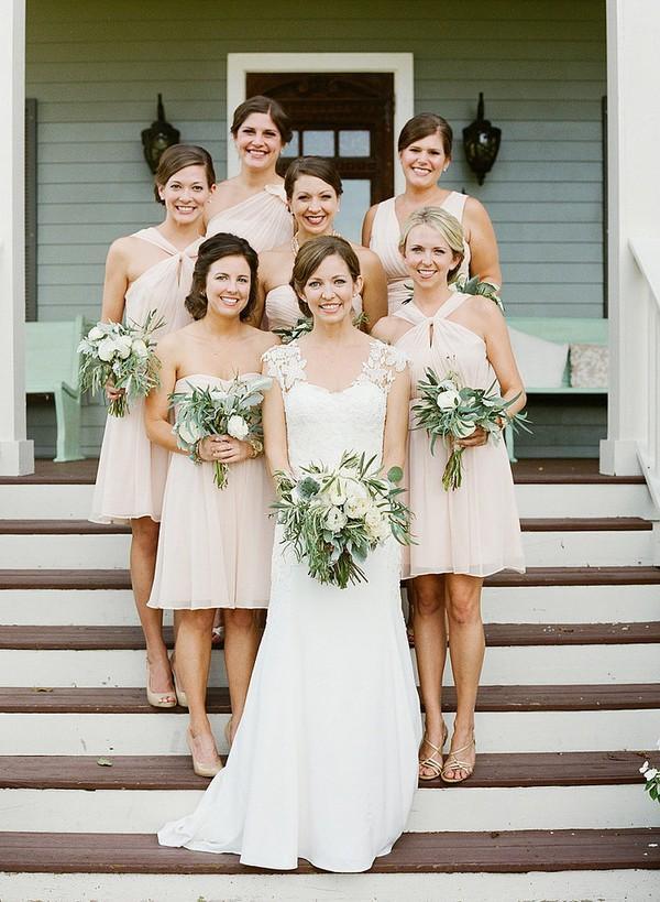 Mẫu váy phù dâu đẹp, đơn giản