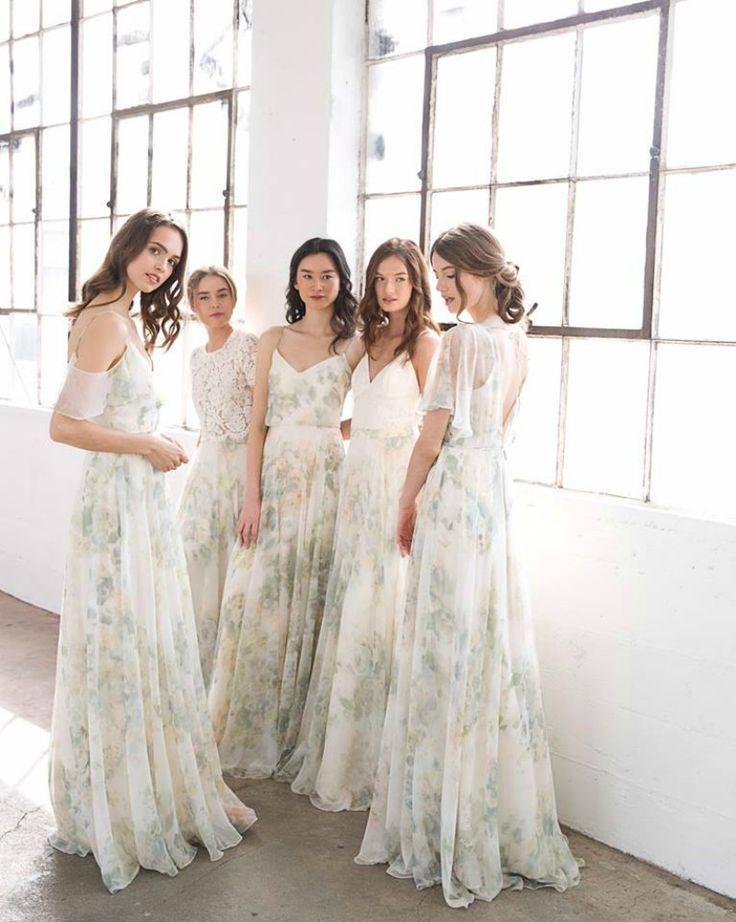 Mẫu váy phù dâu hoa nhí đẹp nhất