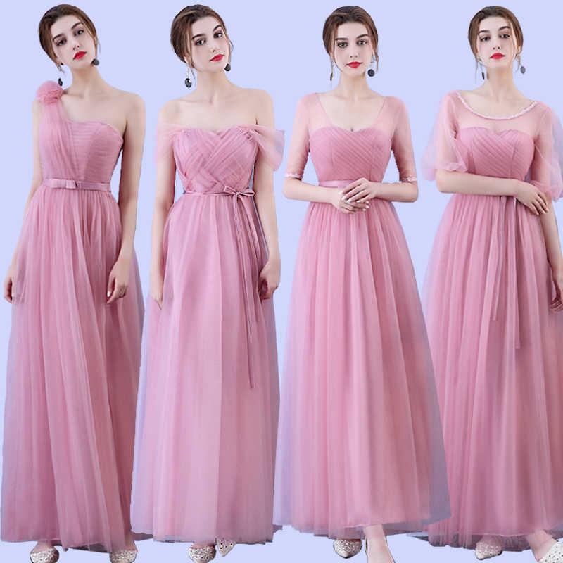 Mẫu váy phù dâu màu hồng nhẹ
