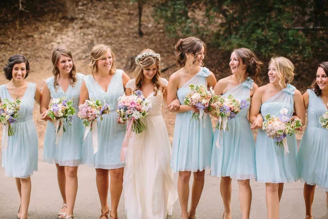 Mẫu váy phù dâu màu nhẹ