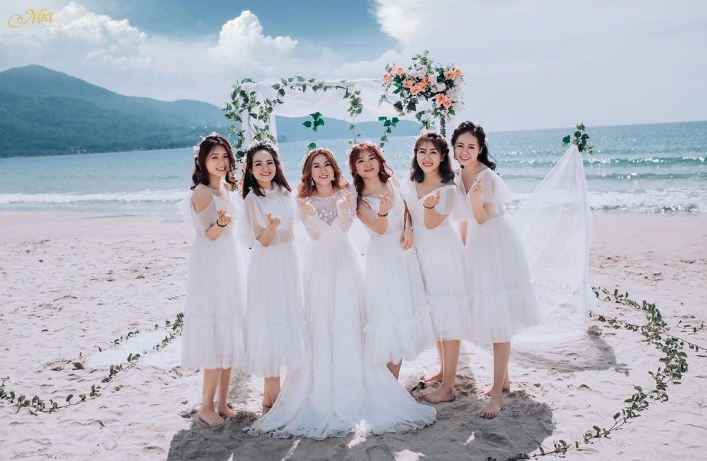 Mẫu váy phù dâu màu trắng đẹp nhất