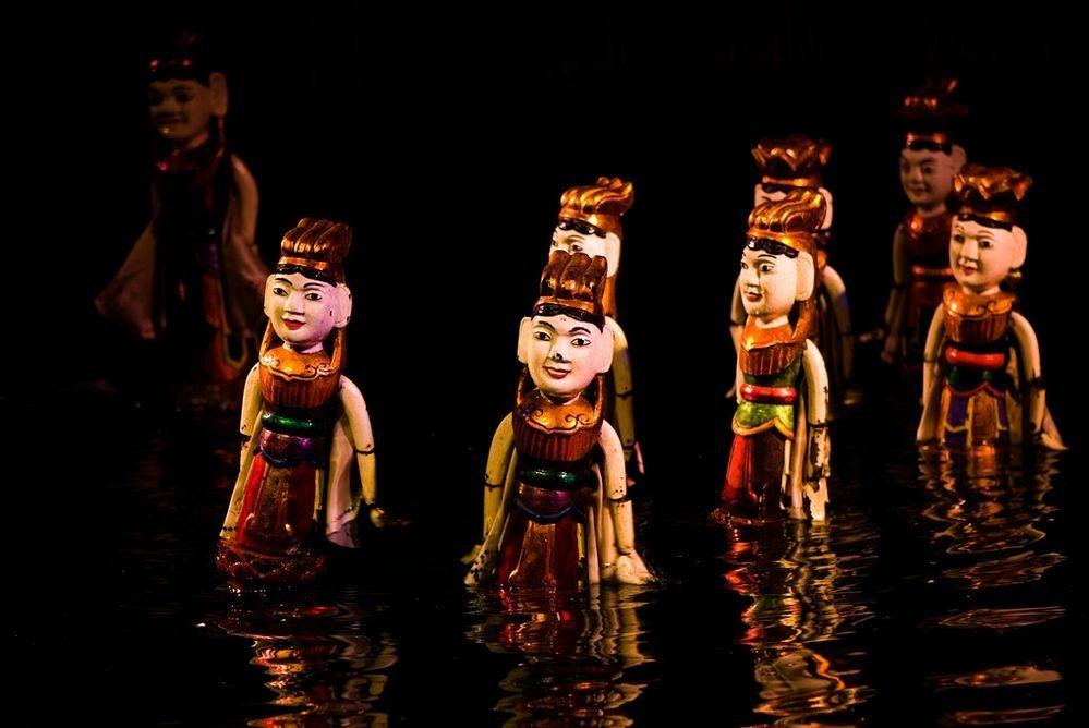Ảnh múa rối nước Việt Nam được ca ngợi trên báo nước ngoài