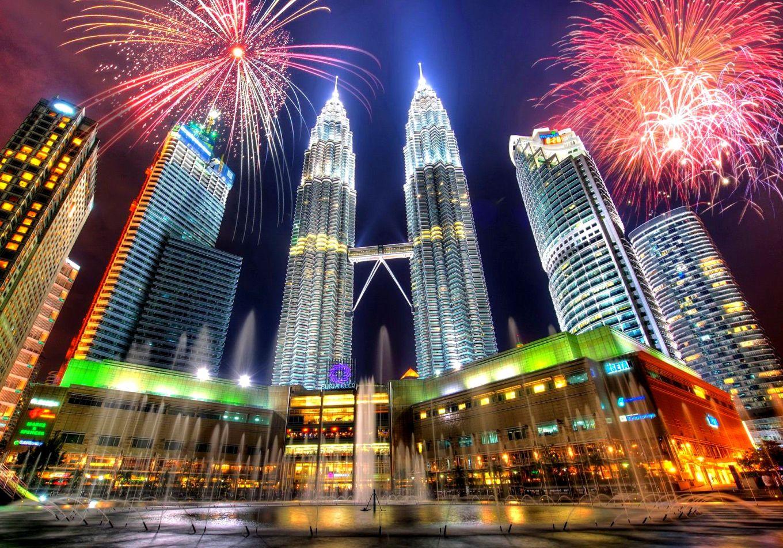 Ảnh tòa tháp đôi Petronas ở Malaysia