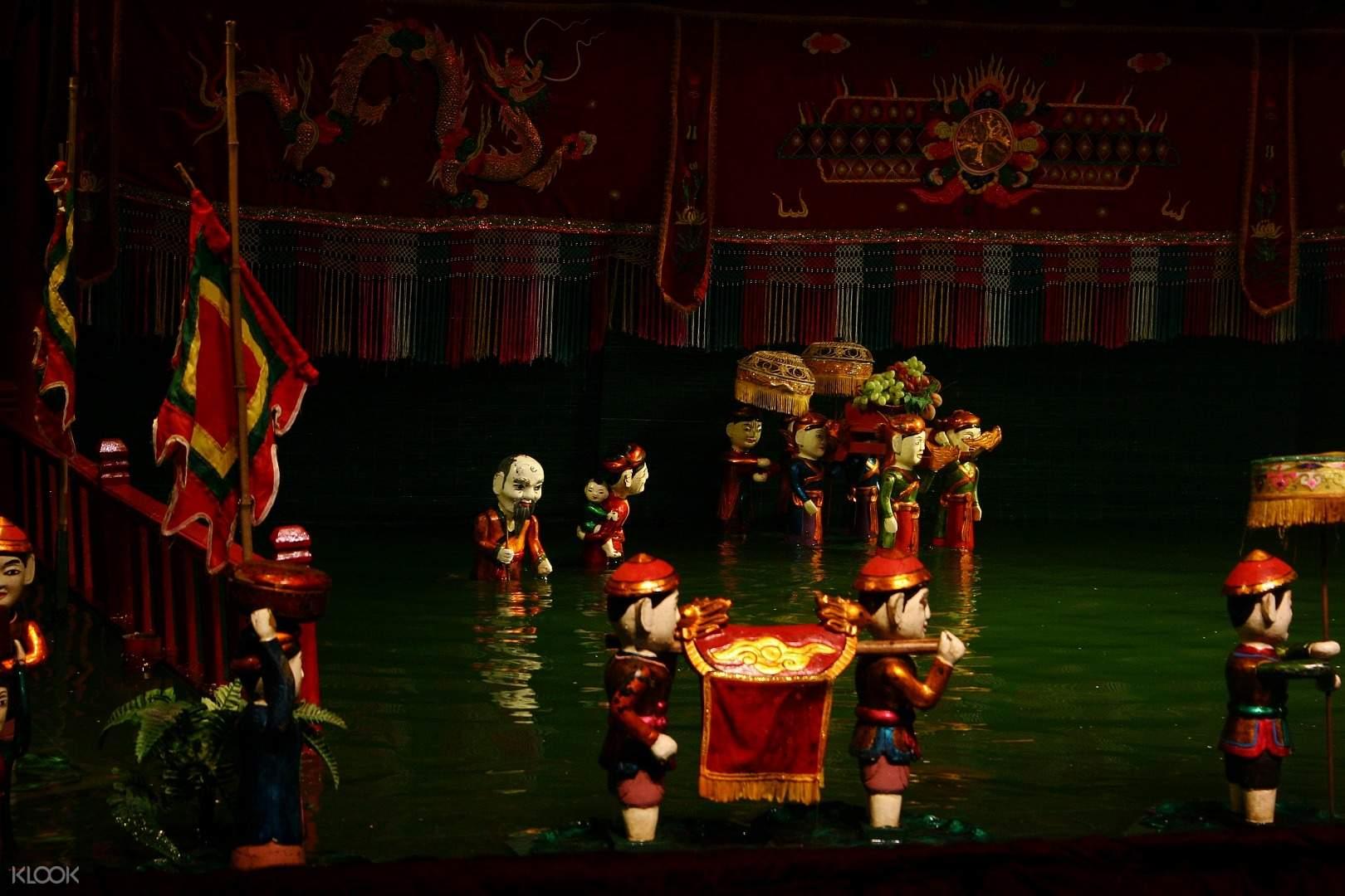 Hình ảnh buổi biểu diễn múa rối nước tại Hà Nội