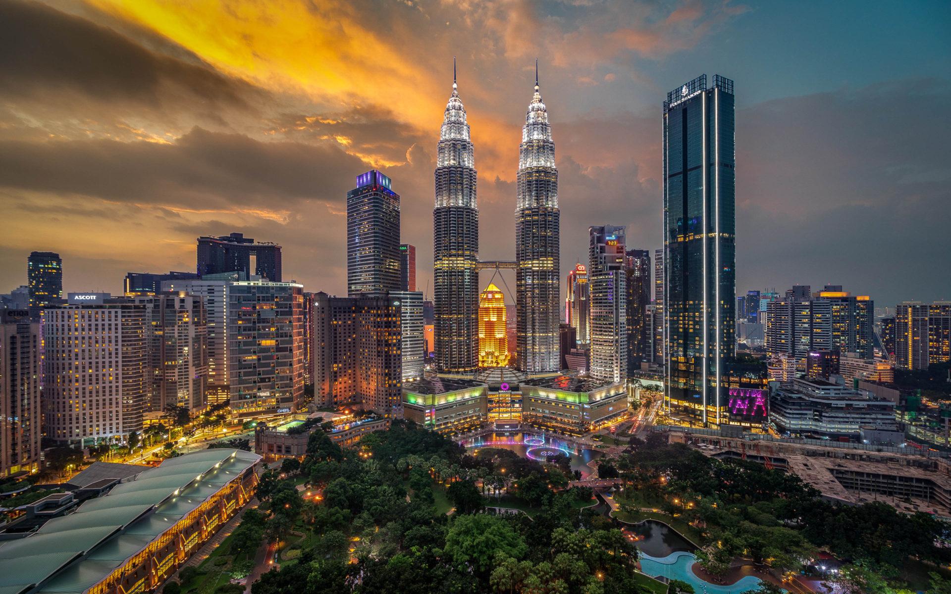 Hình ảnh tháp đôi Petronas - thủ đô Kuala Lumpur Malaysia