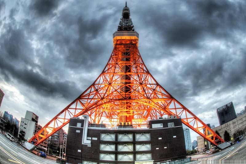 Ảnh chụp cận cảnh chân tháp Tokyo