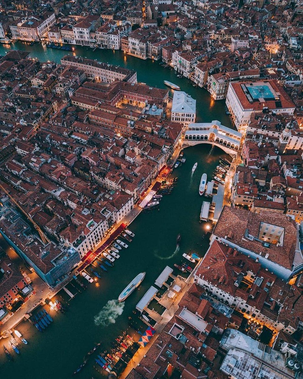 Ảnh kiến trúc độc đáo của Venice nhìn từ trên cao
