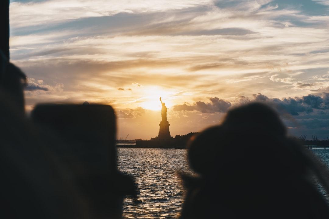 Ảnh mặt trời mọc trên đỉnh tượng nữ thần tự do