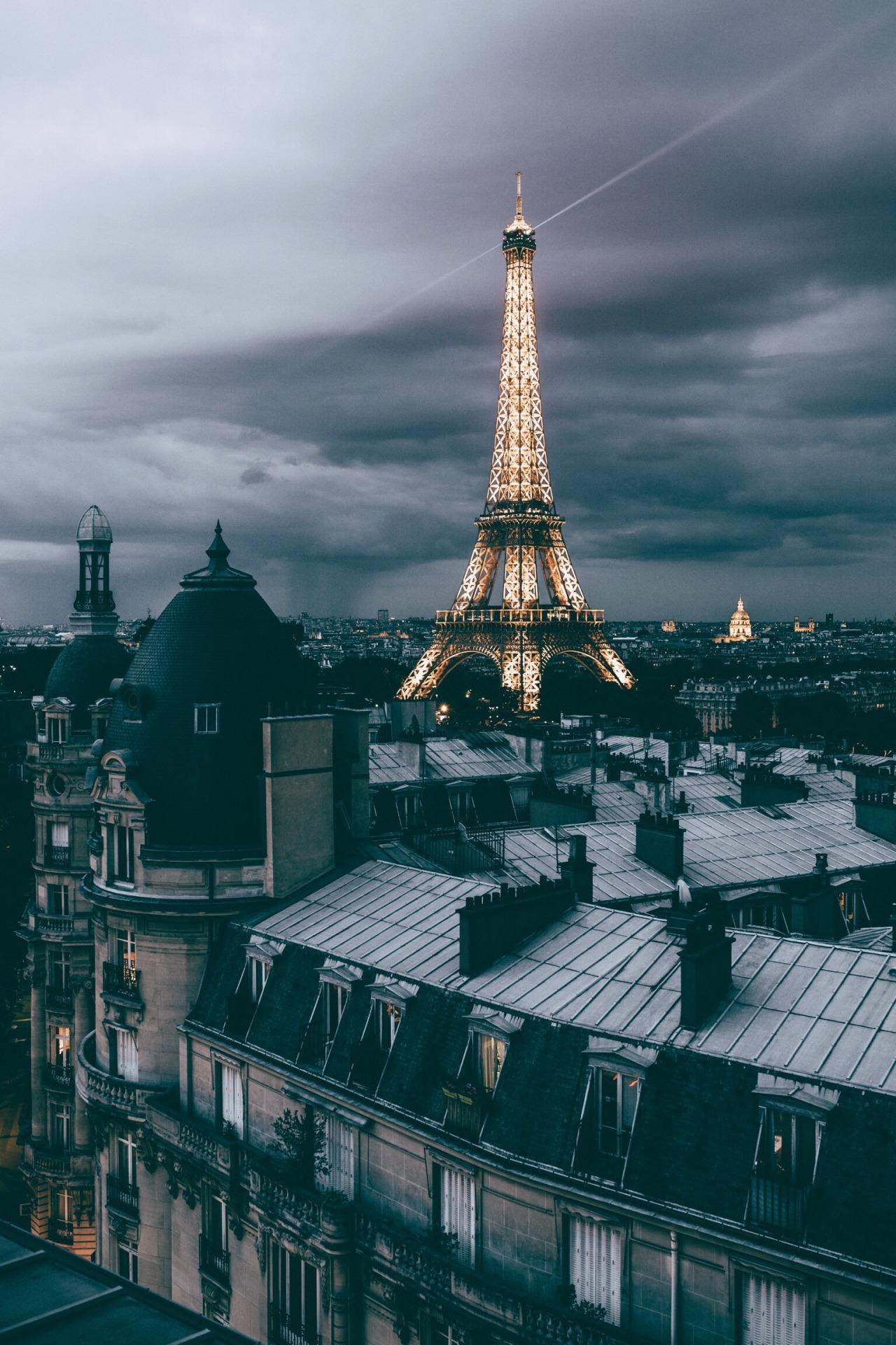 Ảnh tháp Eiffel buổi tối đẹp nhất
