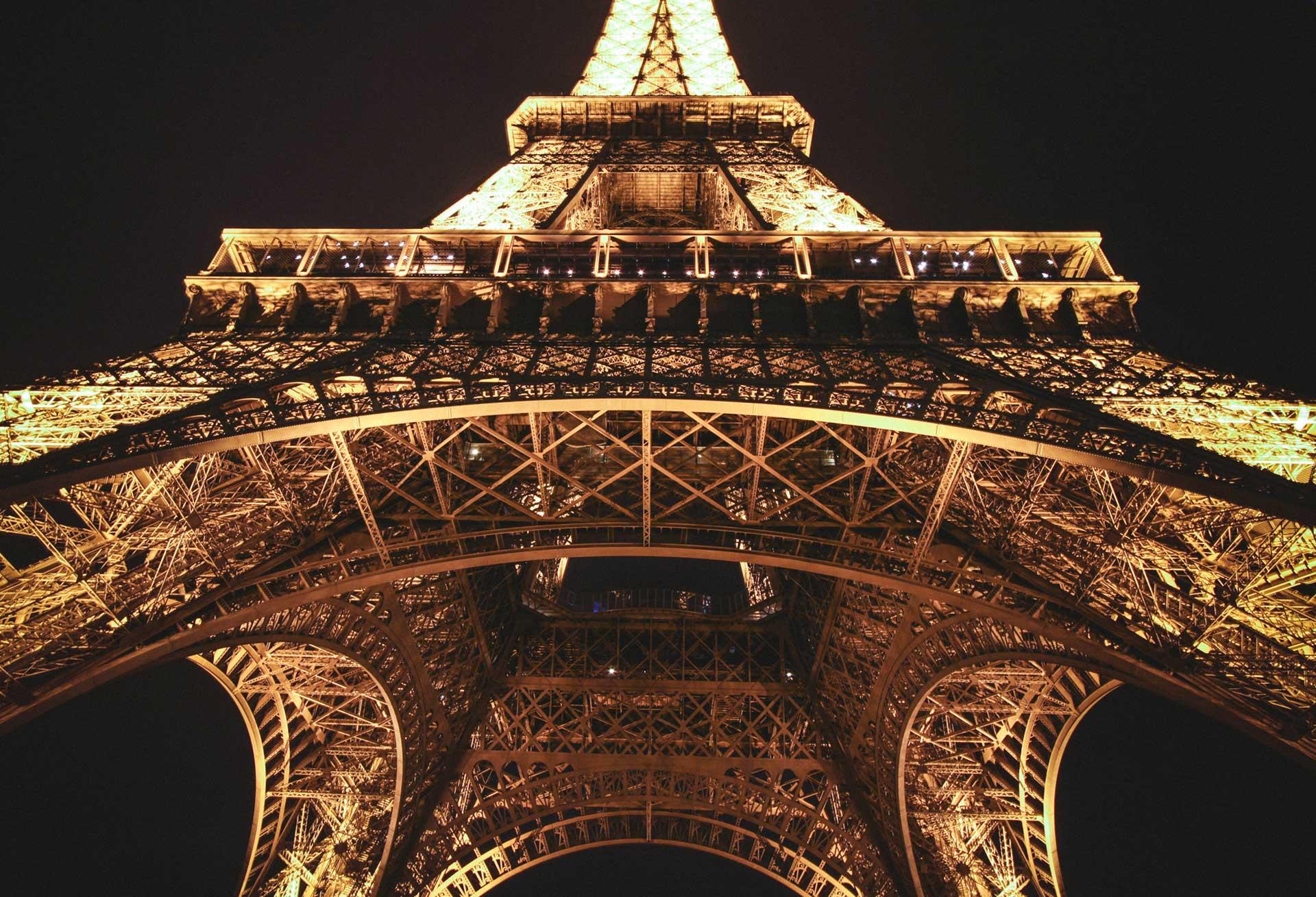 Ảnh tháp Eiffel đẹp, lãng mạn