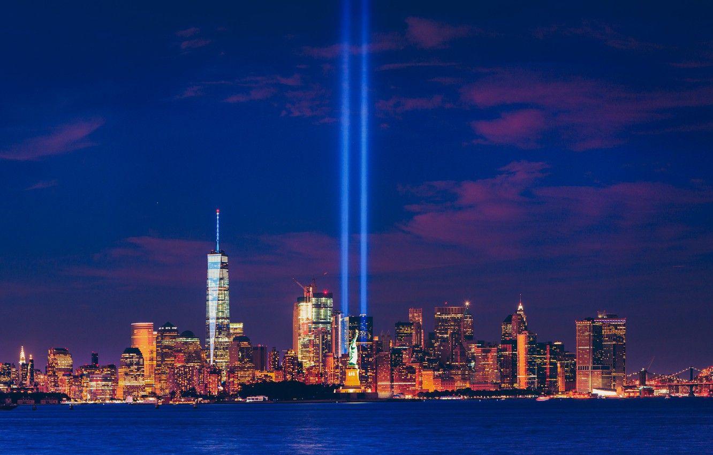 Ảnh tượng nữ thần tự do và toàn cảnh New York lúc lên đèn