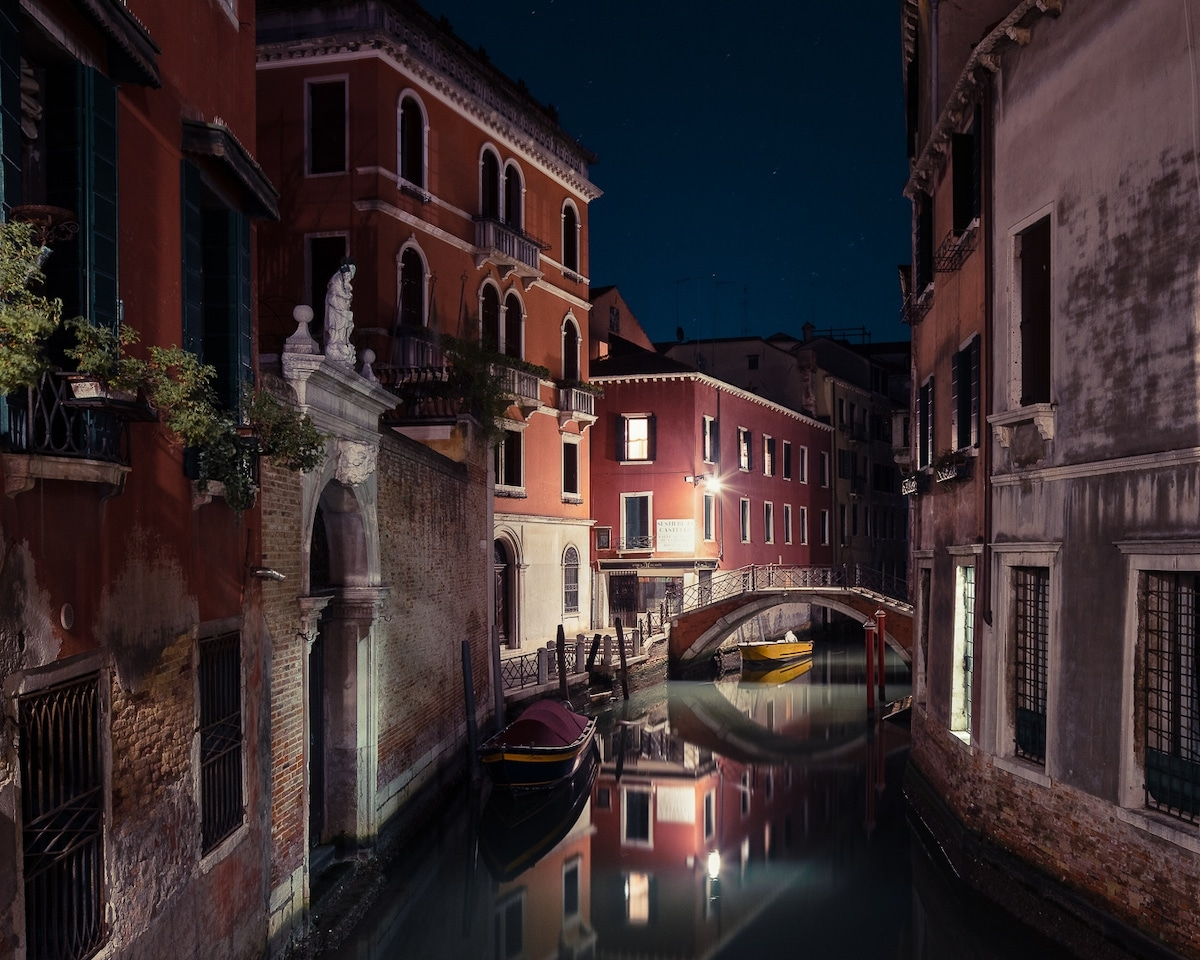 Ảnh Venice tĩnh mịch về đêm