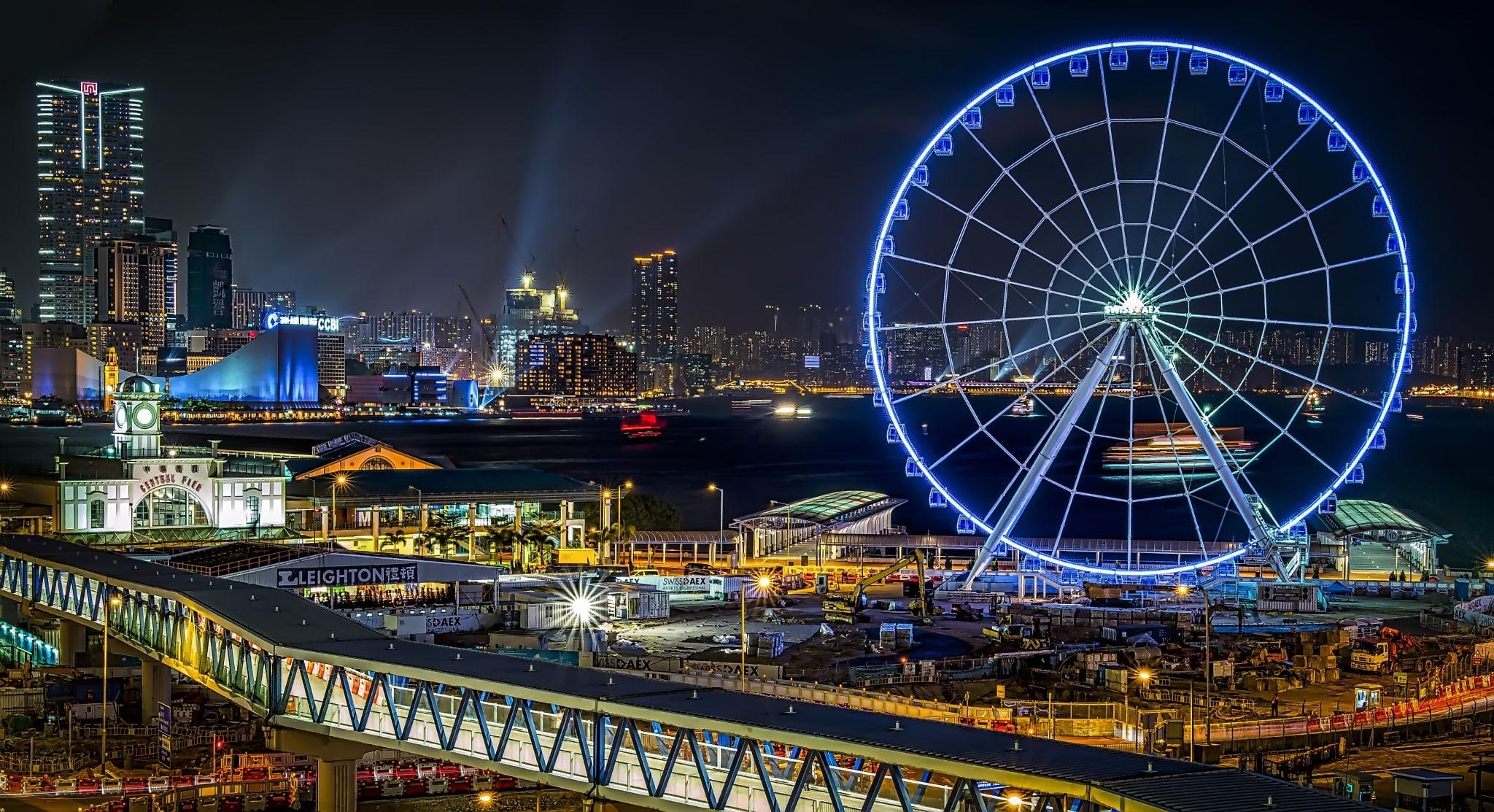 Ảnh vòng đu quay tại Hồng Kông vào buổi tối