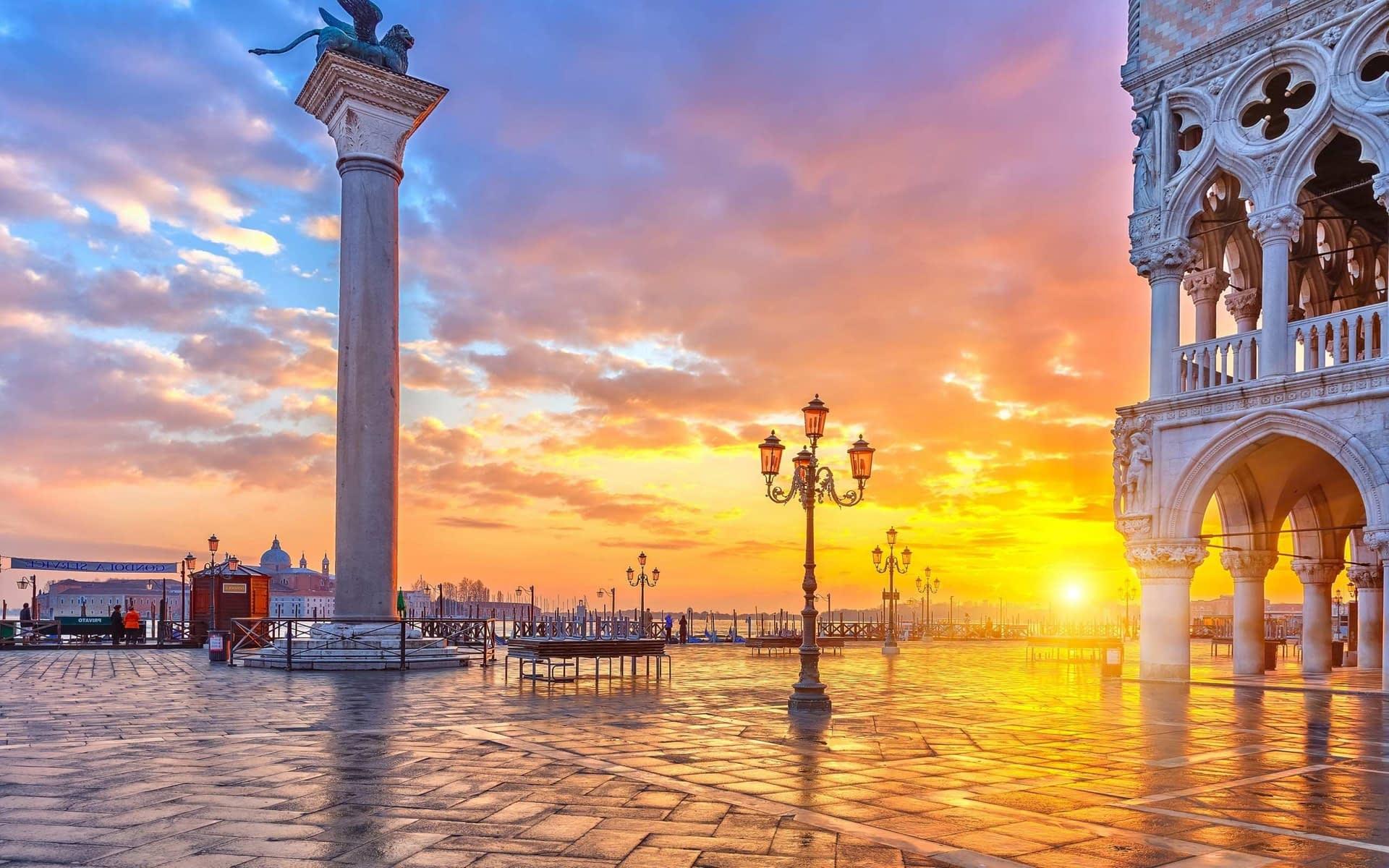 Beautiful Venice City in Italy HD Wallpaper