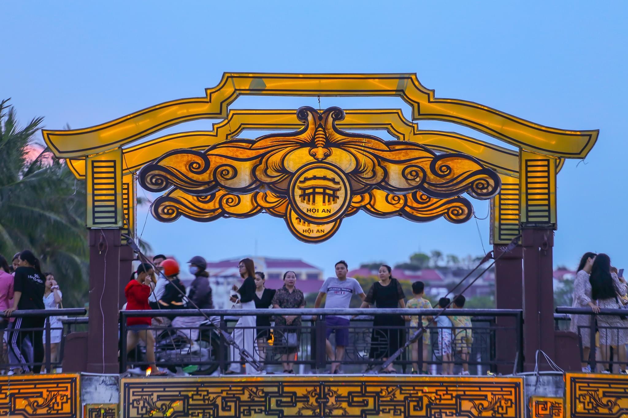 Hình ảnh cổng chào Hội An