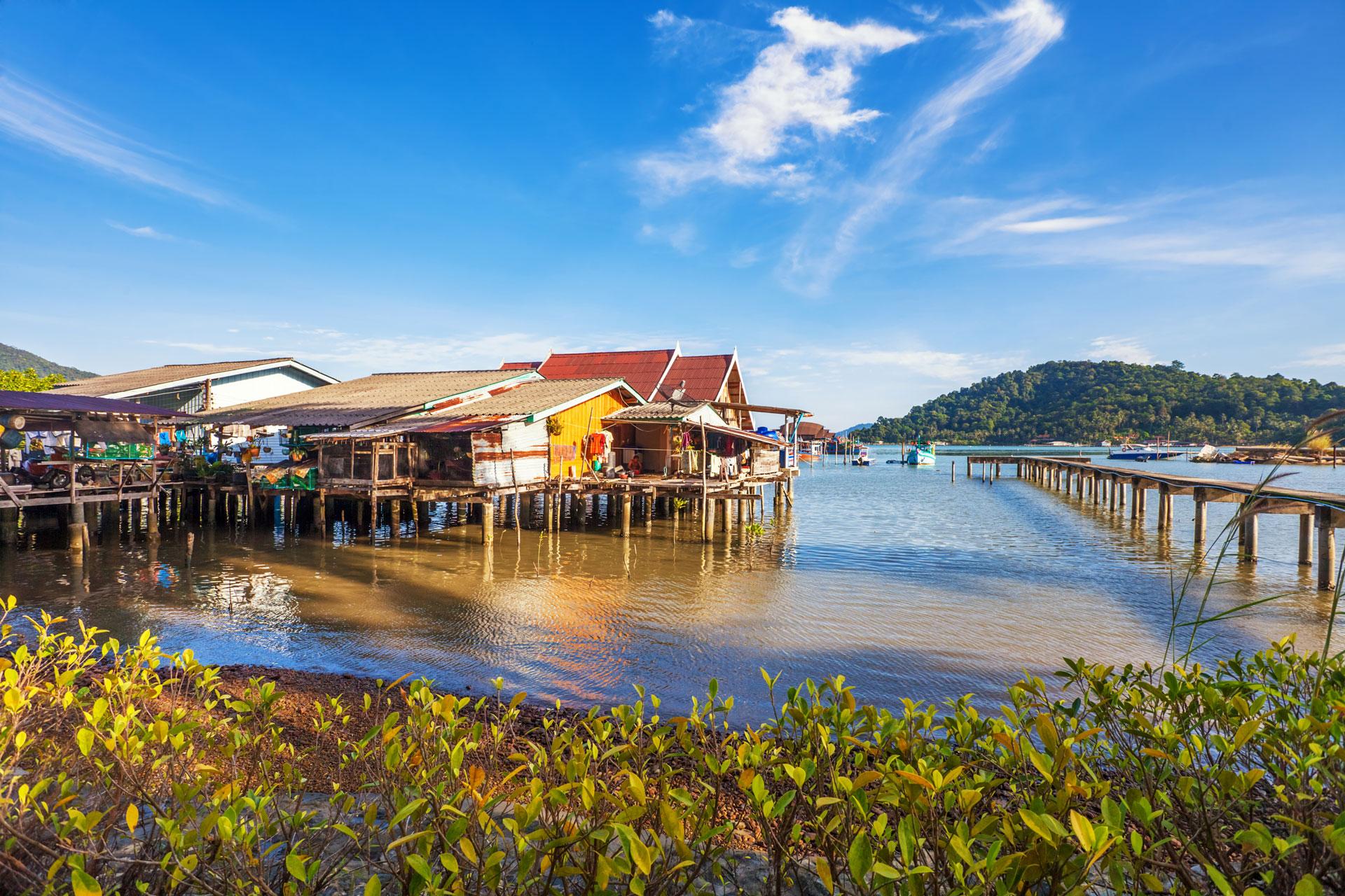 Hình ảnh hồ Tonle Sap chiều bình yên tại Siem Reap