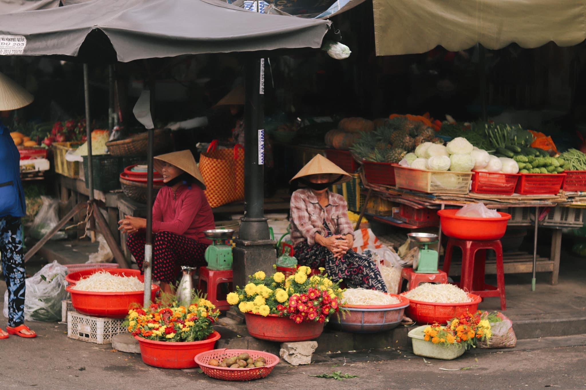 Hình ảnh một góc chợ ở Hội An