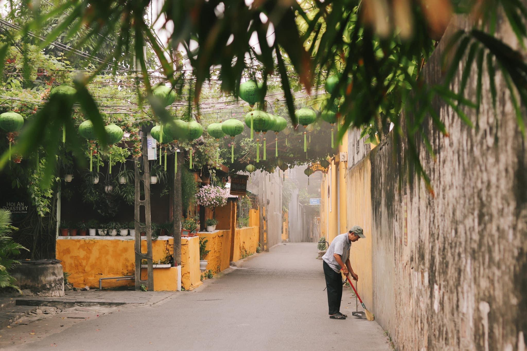 Hình ảnh những con phố nhỏ ở Hội An lúc sáng sớm
