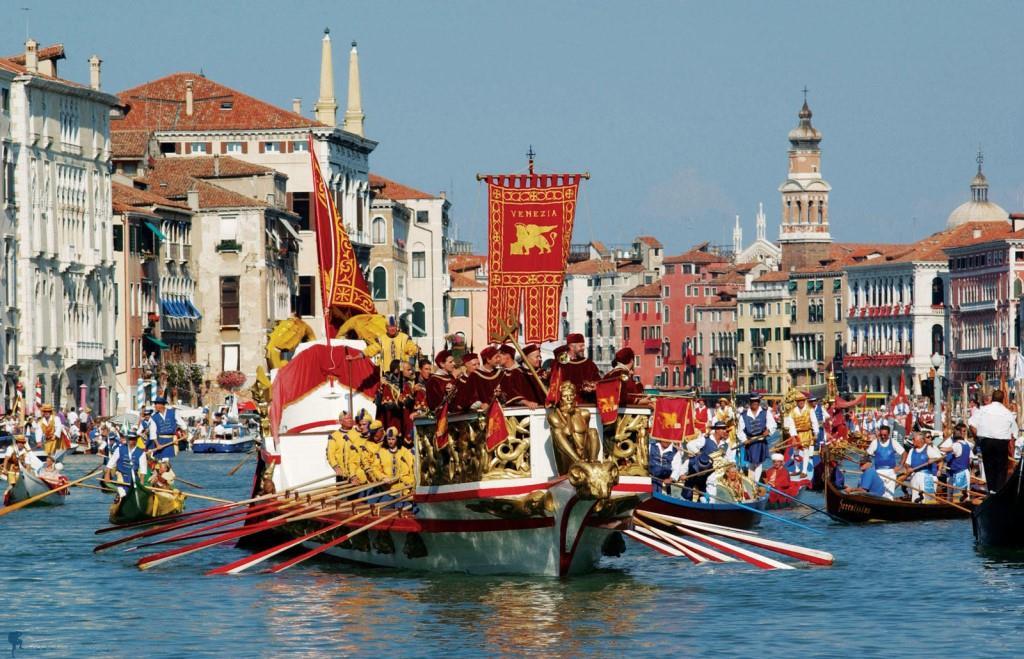 Hình ảnh thành phố Venice mùa lễ hội