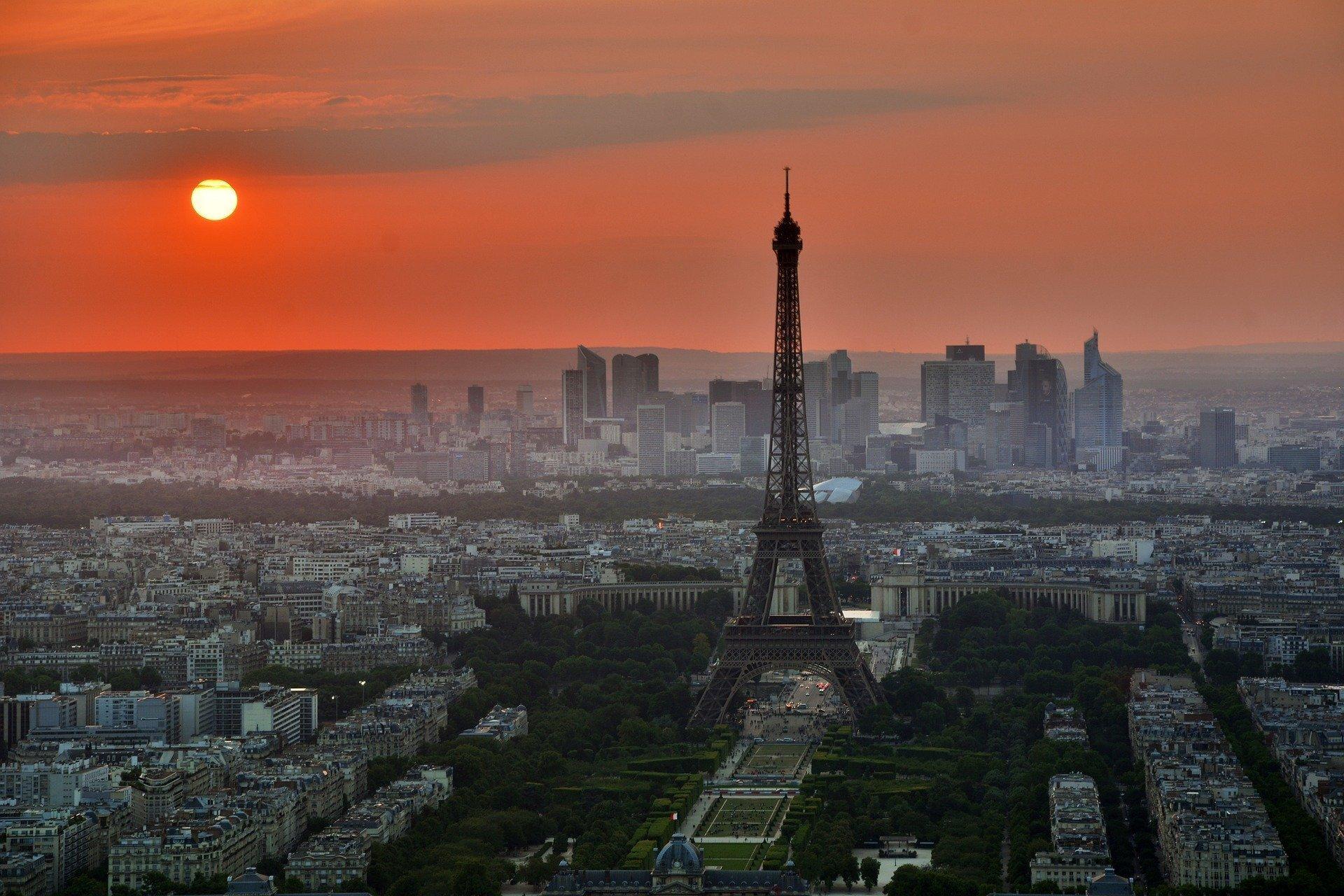 Hình ảnh tháp Eiffel chiều hoàng hôn