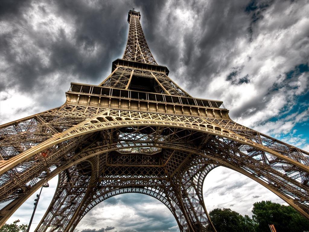 Hình ảnh tháp Eiffel đẹp lộng lẫy, nguy nga