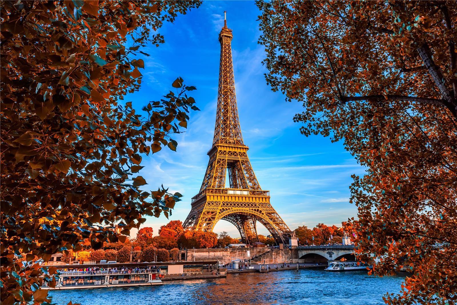 Hình ảnh tháp Eiffel những ngày mùa thu