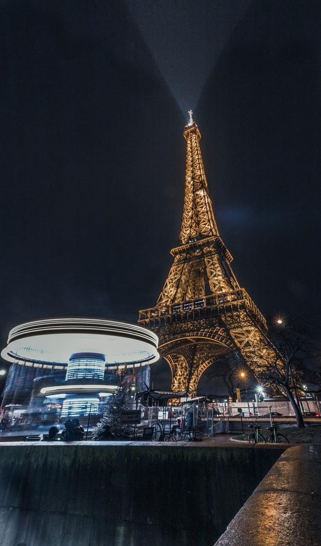 Hình ảnh tháp Eiffel vào buổi tối