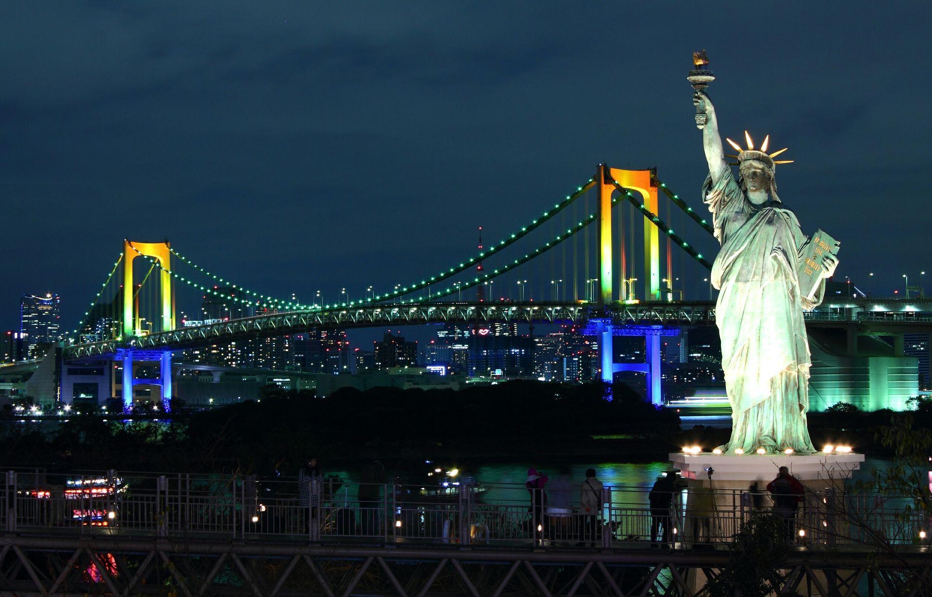 Hình ảnh tượng nữ thần tự do về đêm cực đẹp