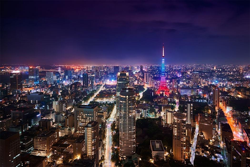 Hình tháp Tokyo lên đèn