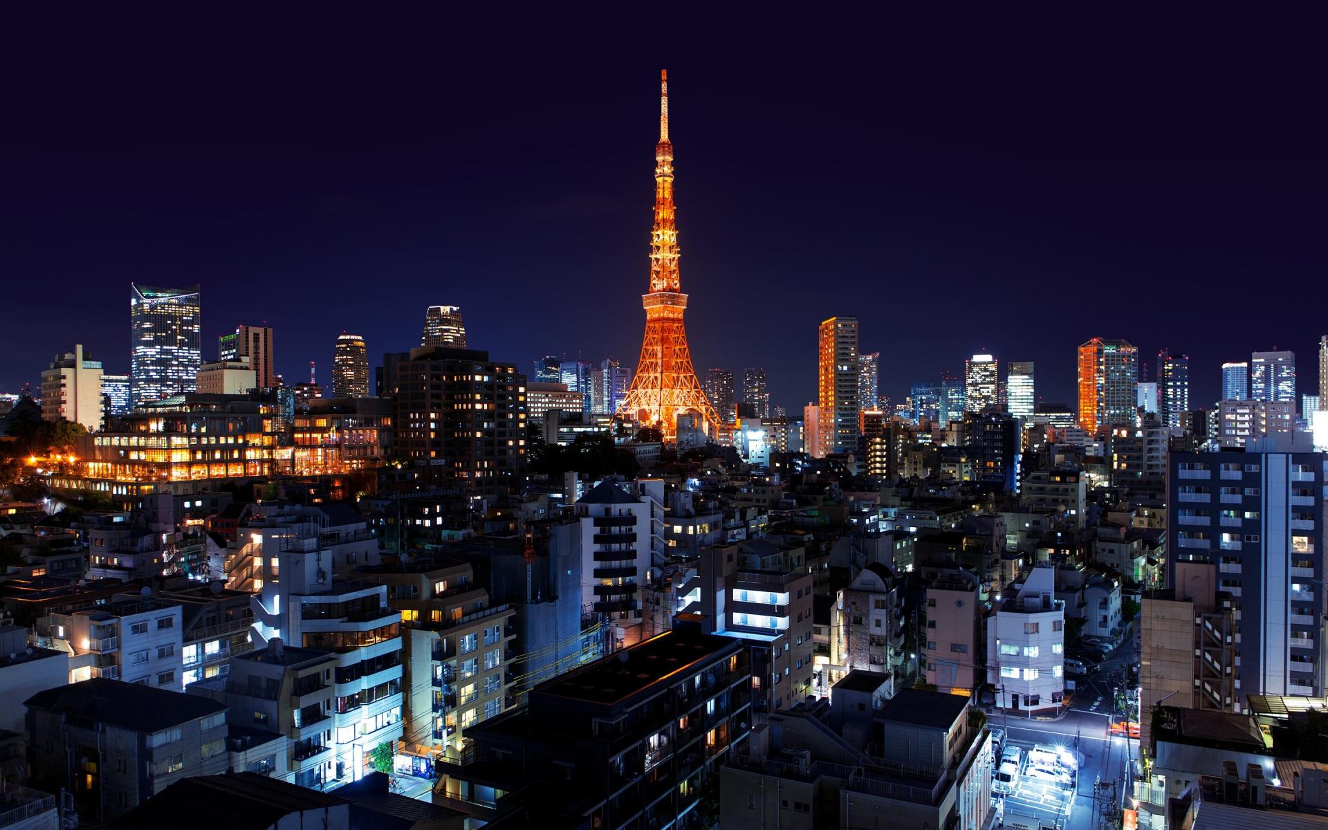 Tokyo Tower - biểu tượng của thành phố Tokyo sầm uất