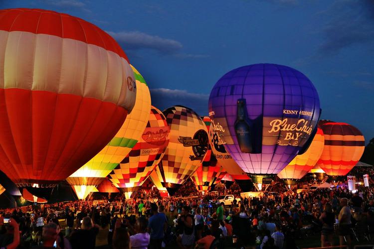 Hình ảnh khinh khí cầu buổi tối cực đẹp